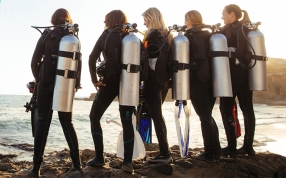 DFD_WomenDivers